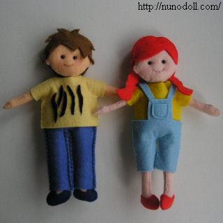 小さな着せ替え人形